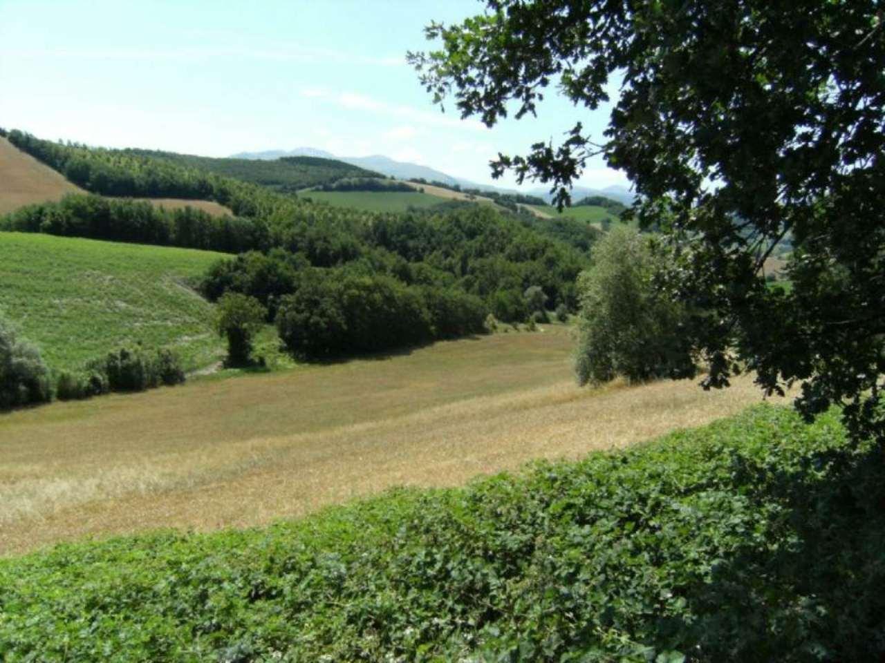 Terreno Agricolo in vendita a Camerino, 9999 locali, prezzo € 700.000 | Cambio Casa.it