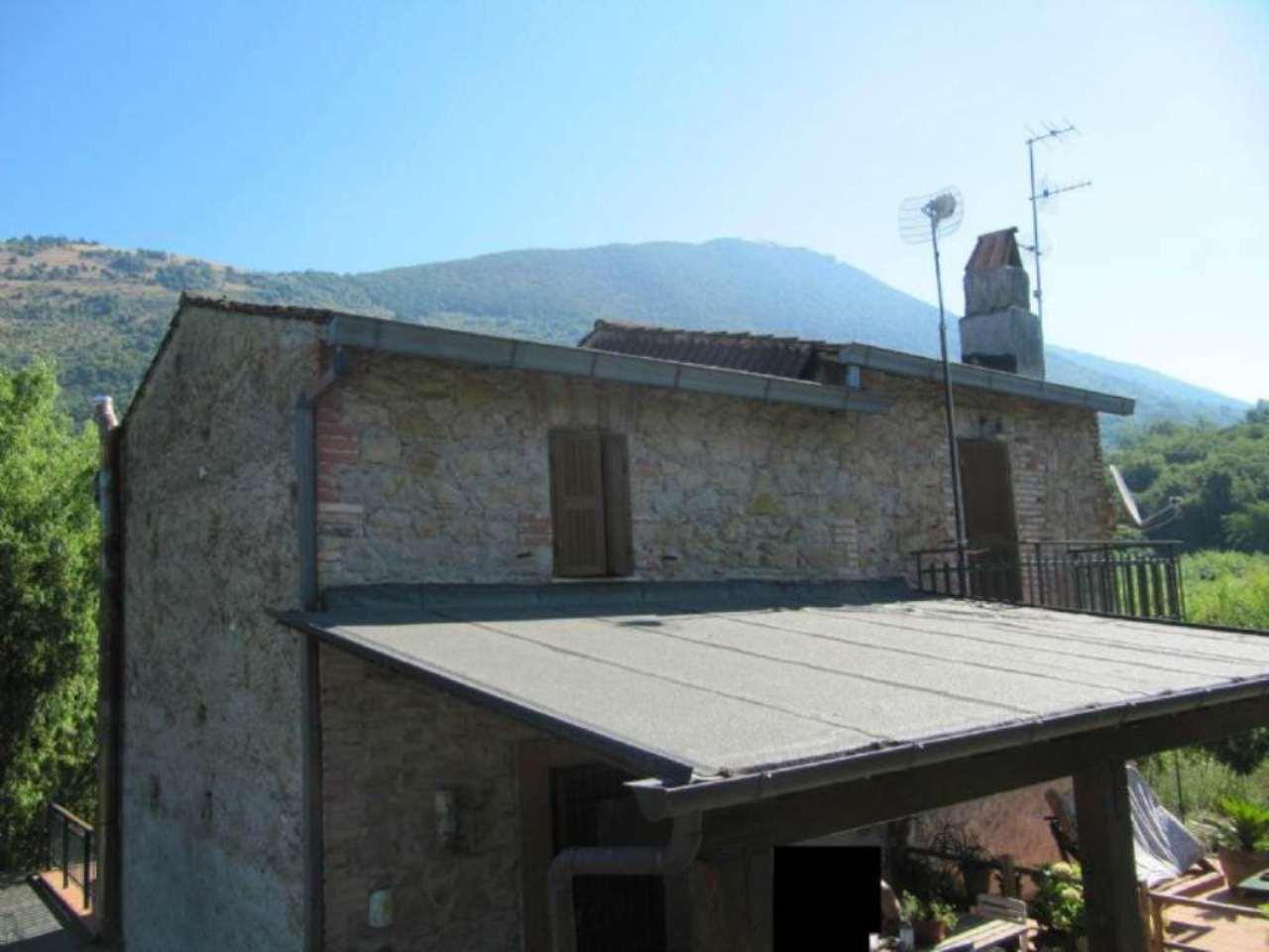 Villa in vendita a Serrone, 6 locali, prezzo € 175.000 | Cambio Casa.it