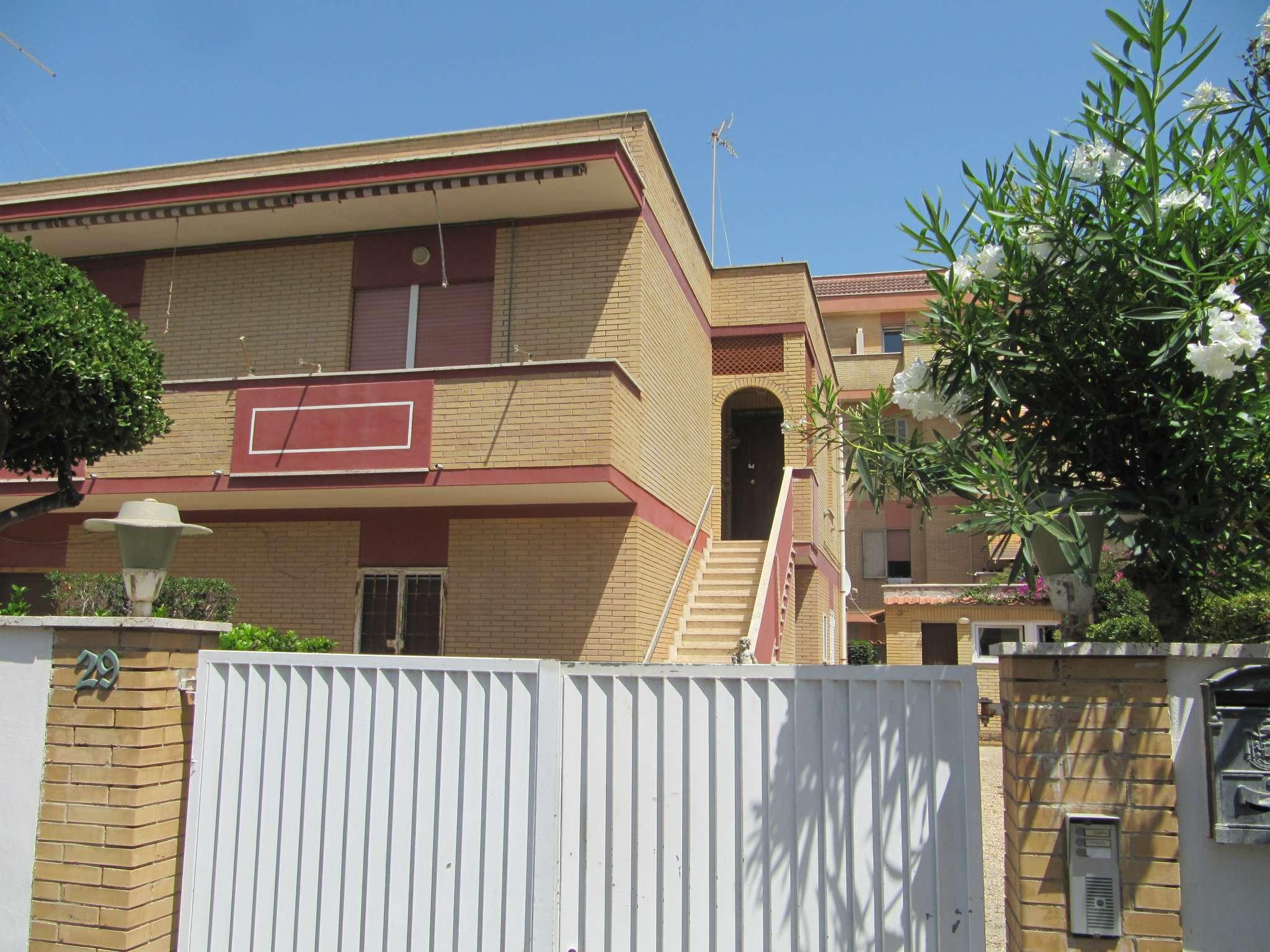 Appartamento in affitto a Fiumicino, 9999 locali, prezzo € 900 | CambioCasa.it