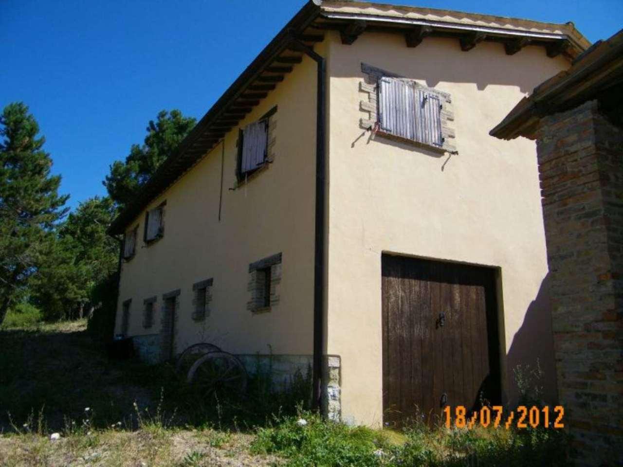 Altro in vendita a Camerino, 10 locali, prezzo € 580.000   Cambio Casa.it