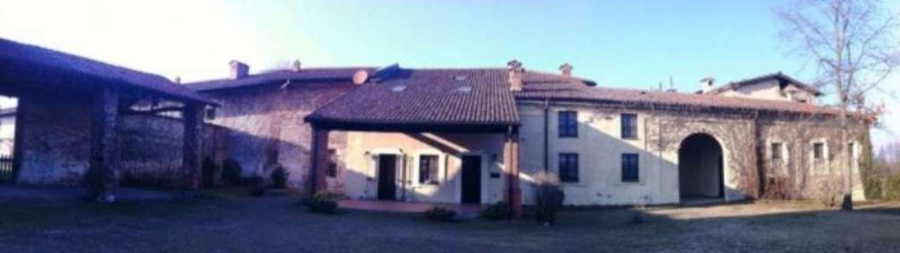 Negozio / Locale in vendita a Cameri, 9999 locali, prezzo € 100 | CambioCasa.it
