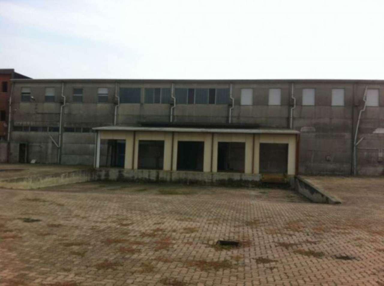 Capannone in affitto a San Pietro Mosezzo, 9999 locali, Trattative riservate   Cambio Casa.it