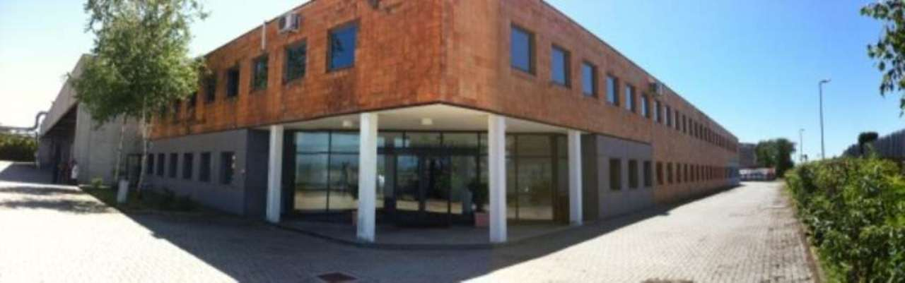 Capannone in vendita a San Pietro Mosezzo, 9999 locali, prezzo € 2.000.000 | CambioCasa.it