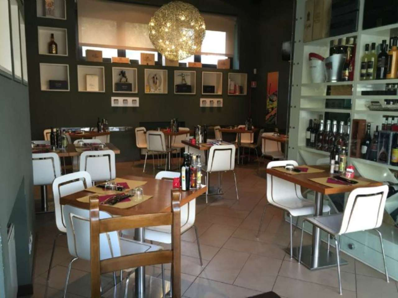 Negozio / Locale in vendita a San Martino Buon Albergo, 4 locali, Trattative riservate   Cambio Casa.it