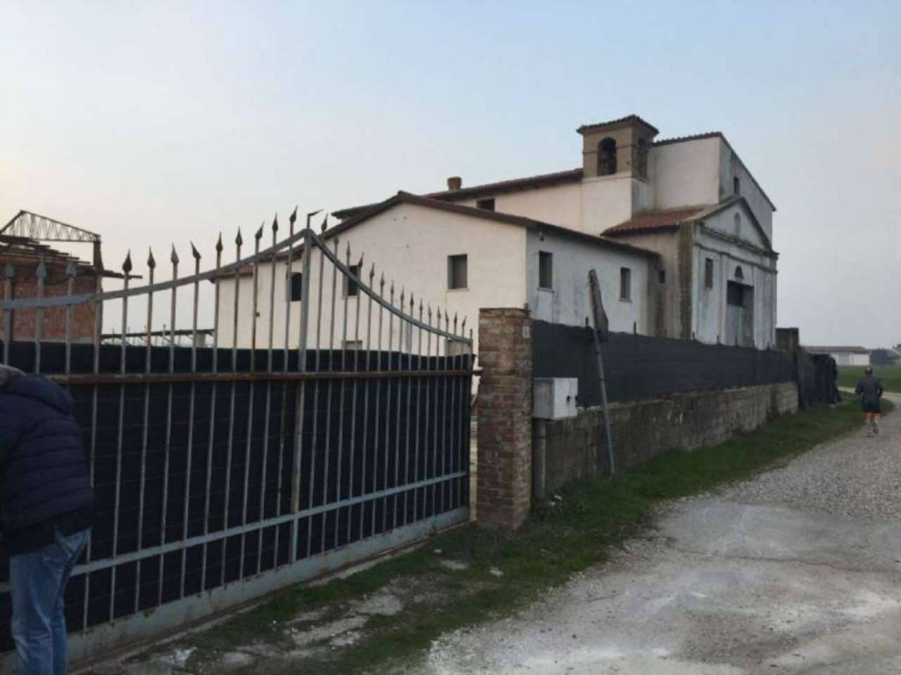 Immobile Commerciale in vendita a Zevio, 10 locali, prezzo € 270.000 | Cambio Casa.it