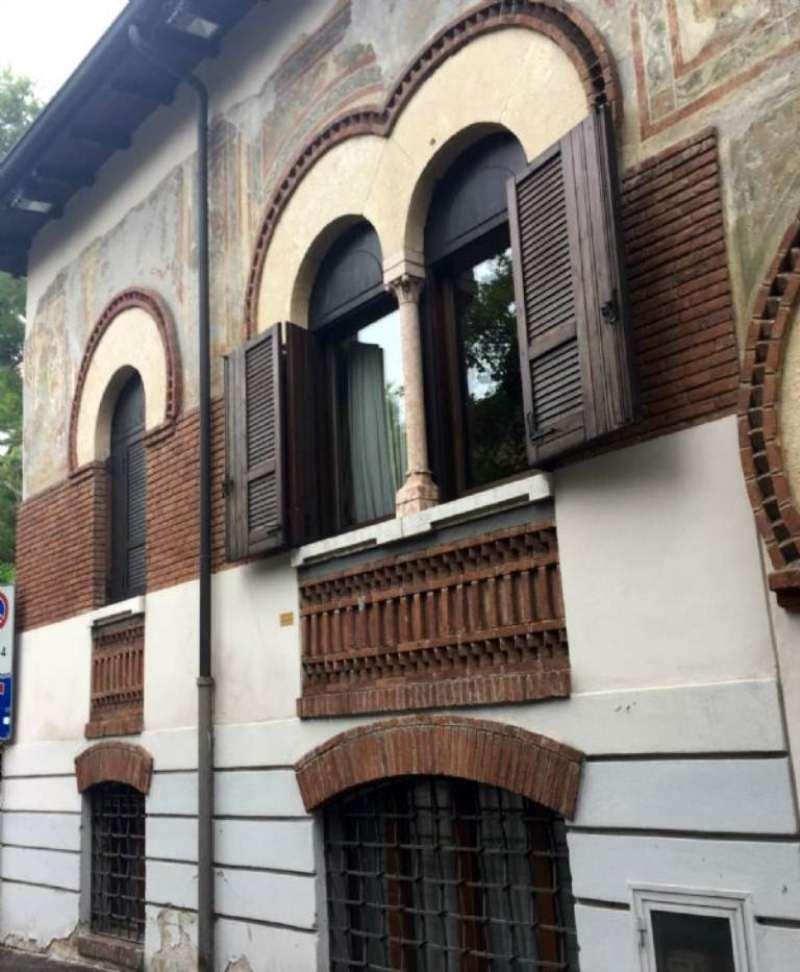 Palazzo / Stabile in vendita a Verona, 7 locali, zona Zona: 1 . ZTL - Piazza Cittadella - San Zeno - Stadio, Trattative riservate   Cambio Casa.it