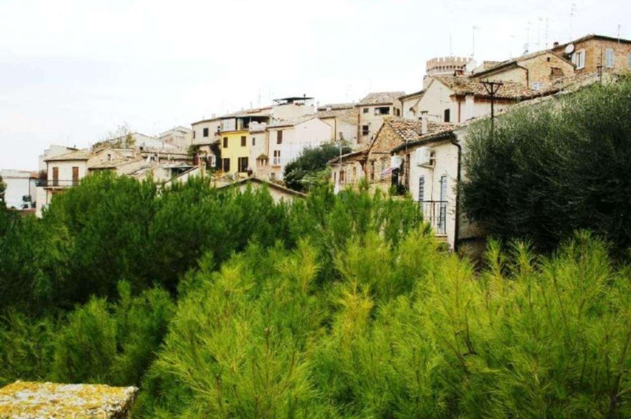 Soluzione Indipendente in vendita a Civitanova Marche, 4 locali, prezzo € 100.000 | Cambio Casa.it
