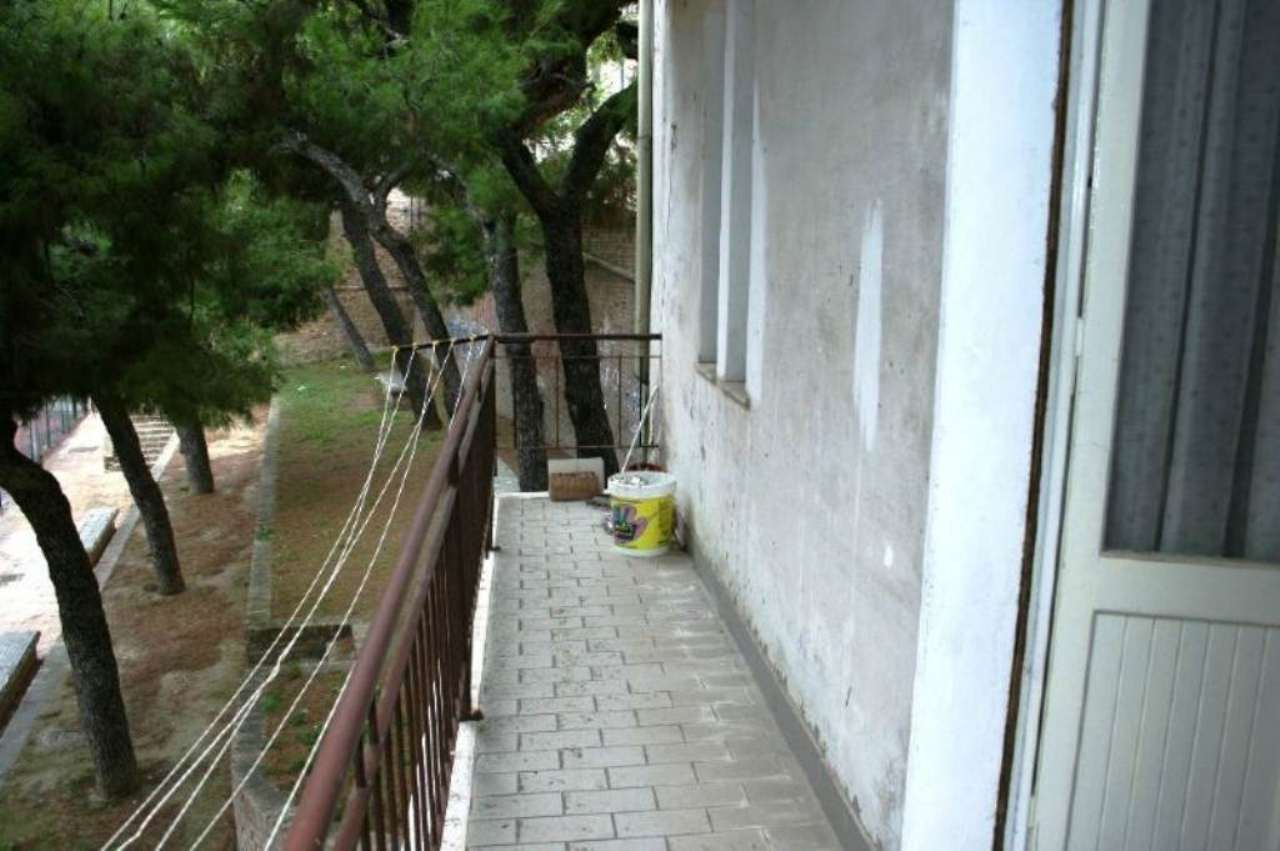 Soluzione Indipendente in vendita a Civitanova Marche, 4 locali, prezzo € 100.000 | CambioCasa.it