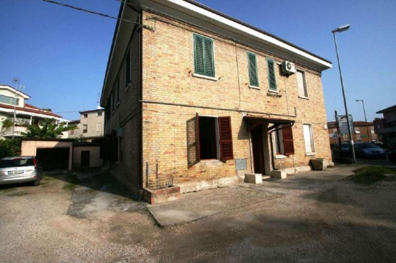 Soluzione Indipendente in vendita a Civitanova Marche, 3 locali, prezzo € 95.000 | Cambio Casa.it