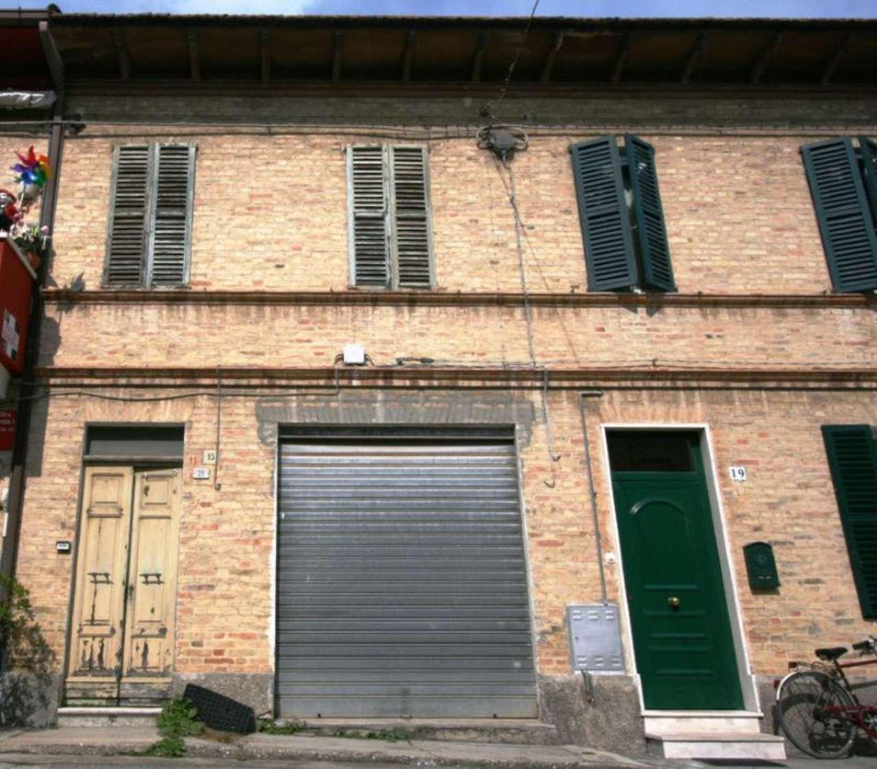 Soluzione Indipendente in vendita a Civitanova Marche, 4 locali, prezzo € 135.000 | Cambio Casa.it