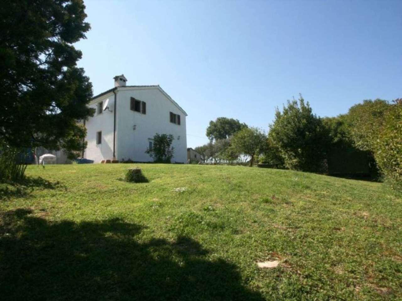 Altro in vendita a Montelupone, 7 locali, prezzo € 230.000 | Cambio Casa.it
