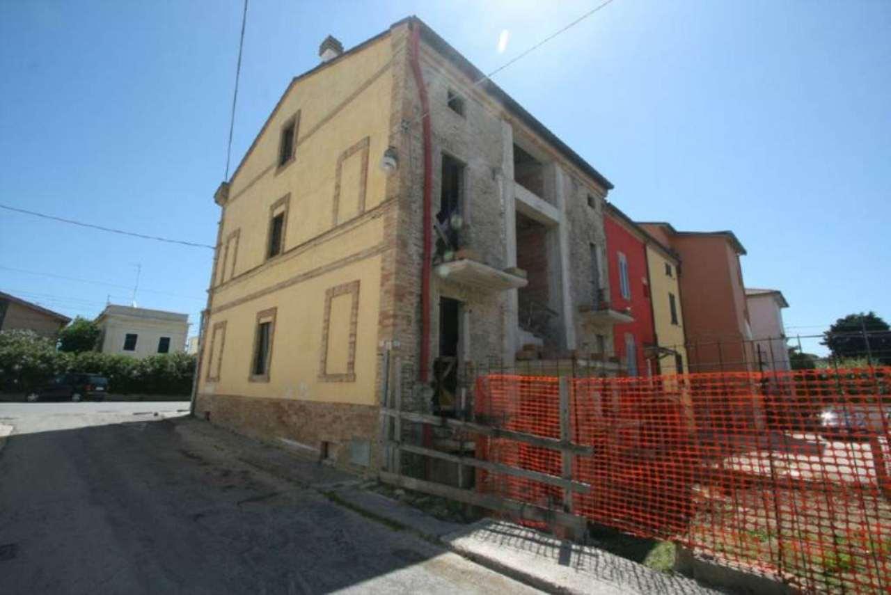 Palazzo / Stabile in vendita a Civitanova Marche, 8 locali, prezzo € 490.000 | Cambio Casa.it