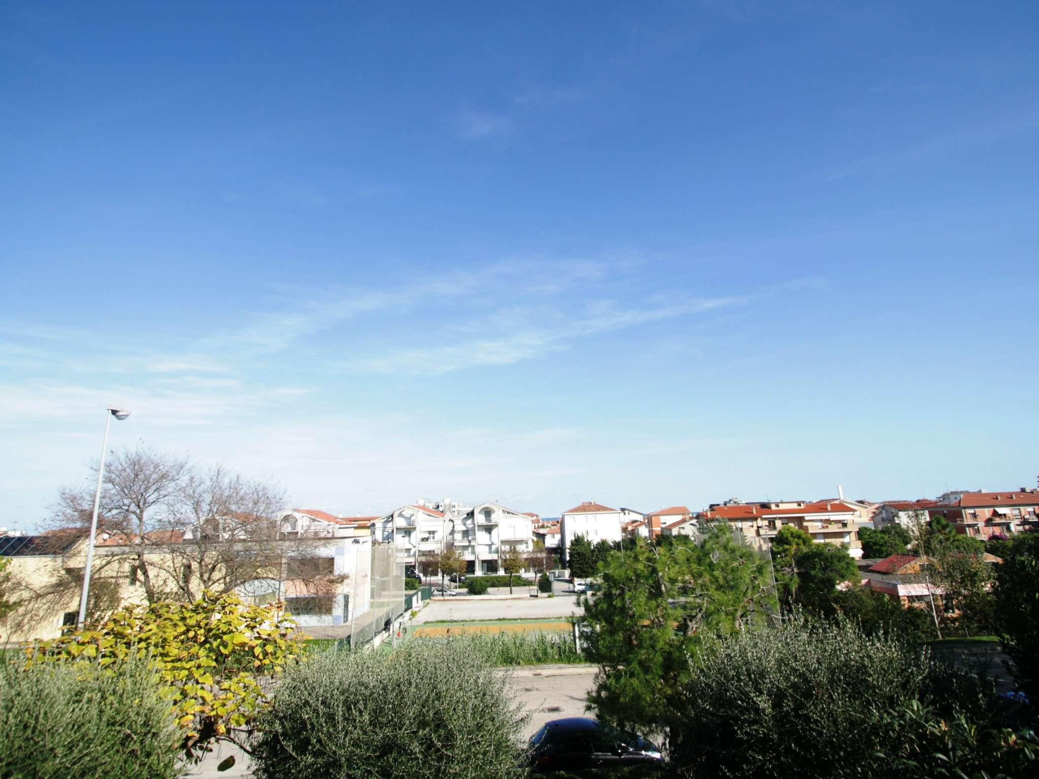 Soluzione Indipendente in vendita a Civitanova Marche, 5 locali, prezzo € 395.000 | Cambio Casa.it