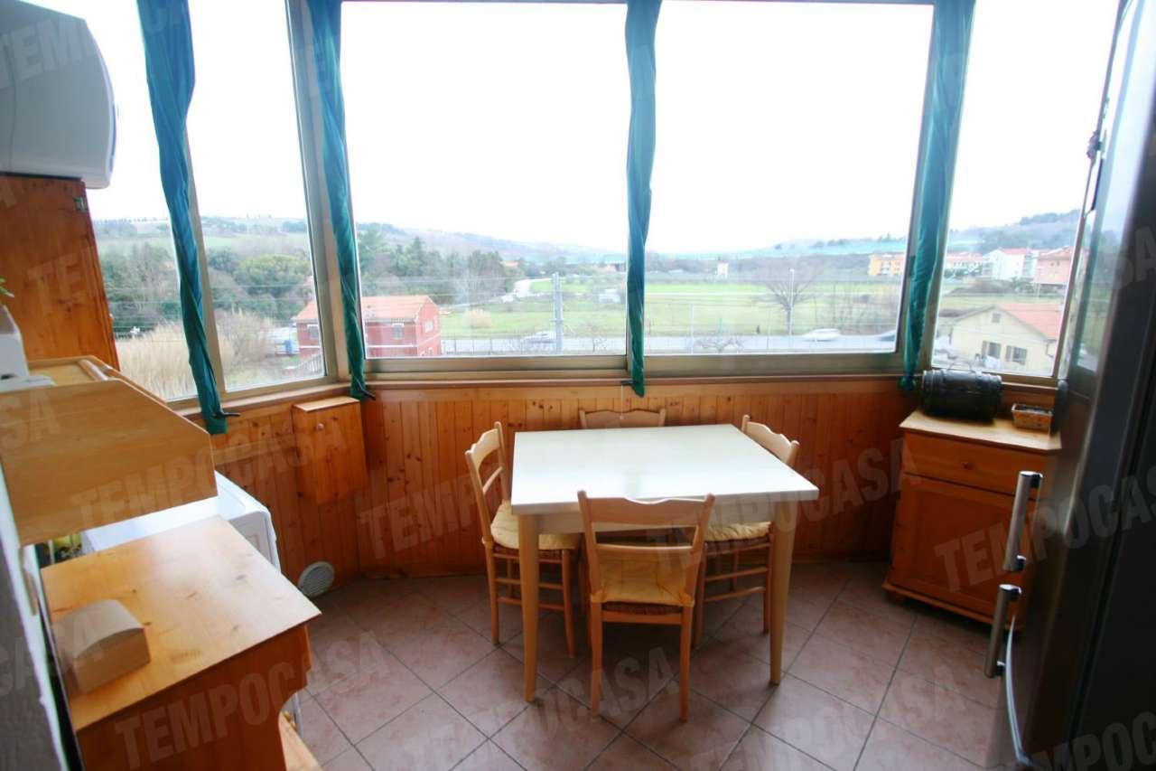 Appartamento in vendita a Potenza Picena, 3 locali, prezzo € 80.000   CambioCasa.it