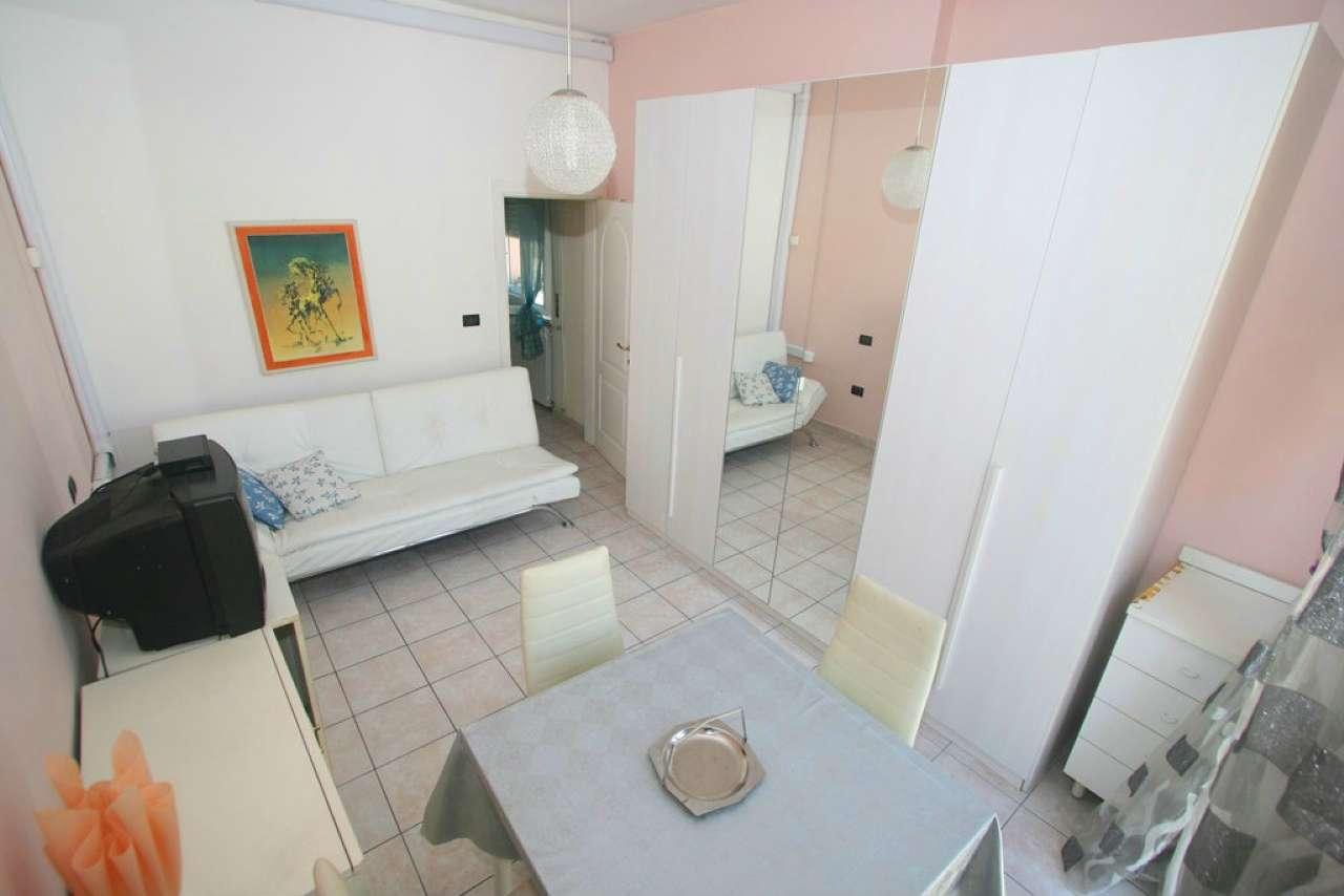 Palazzo / Stabile in vendita a Civitanova Marche, 3 locali, prezzo € 155.000 | CambioCasa.it