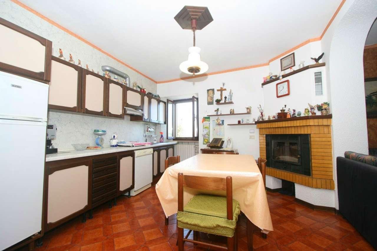 Palazzo / Stabile in vendita a Civitanova Marche, 4 locali, prezzo € 167.000 | CambioCasa.it