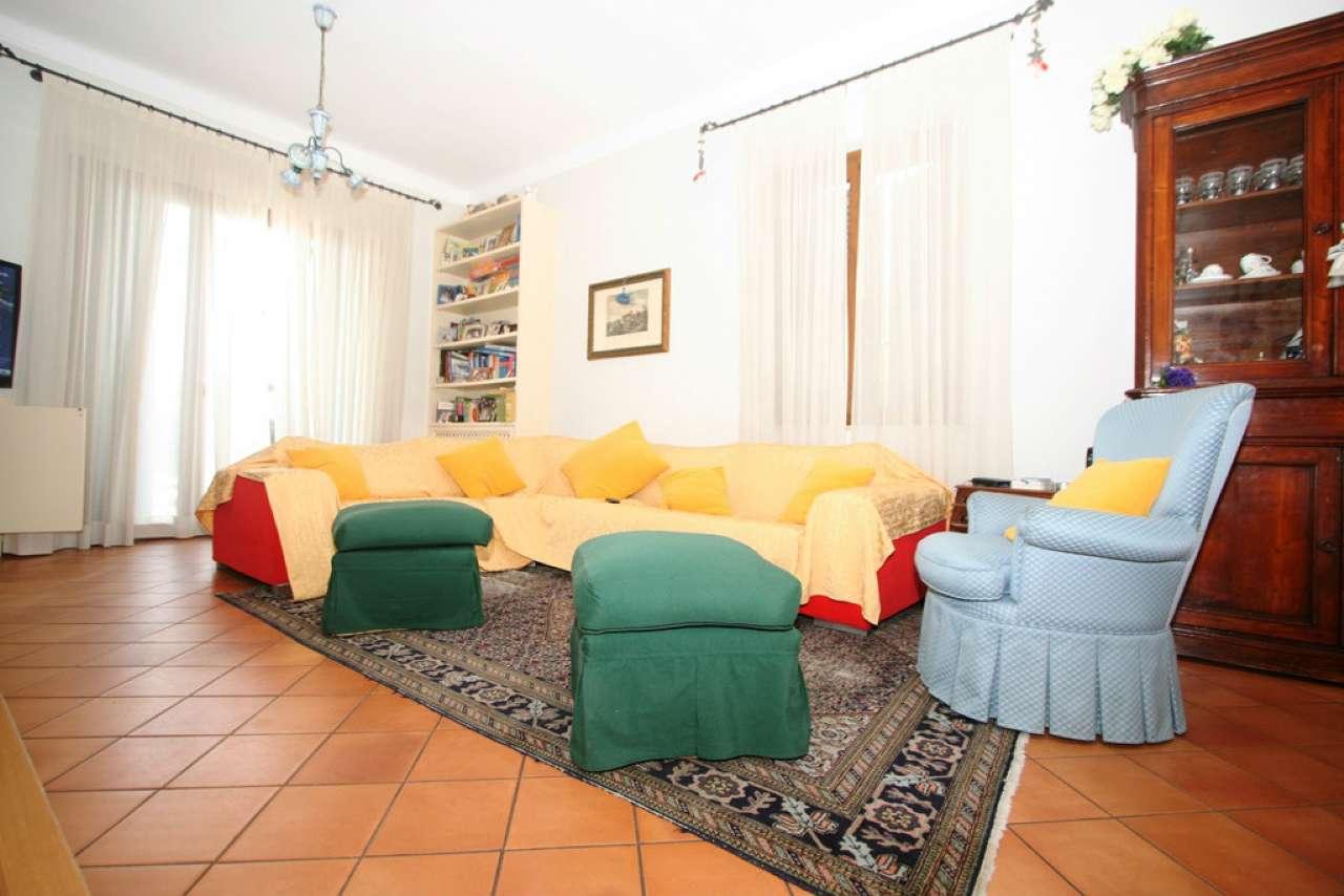 Villa in vendita a Civitanova Marche, 4 locali, prezzo € 780.000   CambioCasa.it