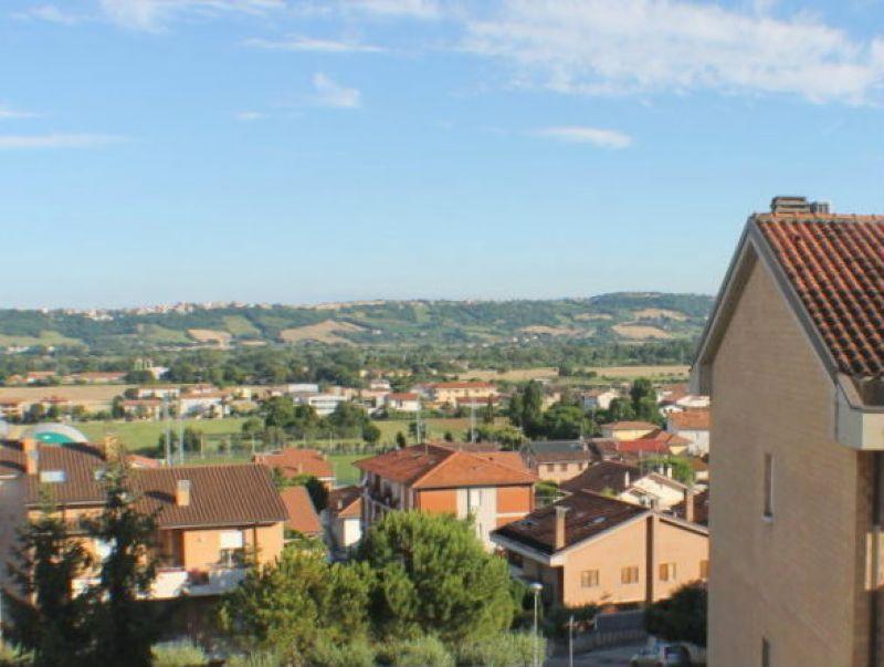 Appartamento in vendita a Civitanova Marche, 4 locali, prezzo € 140.000 | Cambio Casa.it