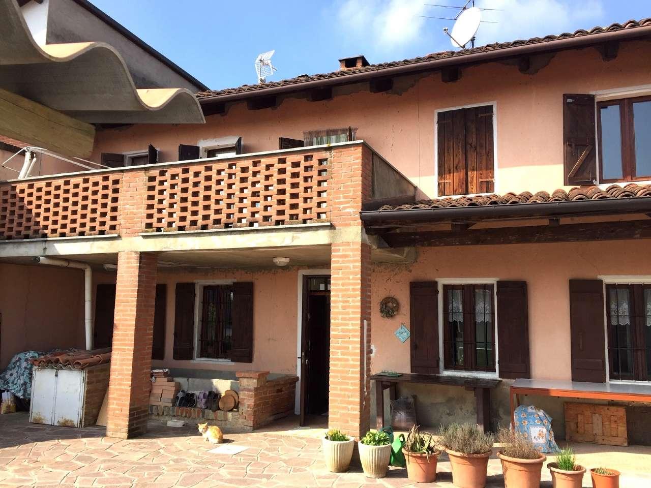 Foto 1 di Casa indipendente via Bastia 4, frazione Casasco, Camerano Casasco