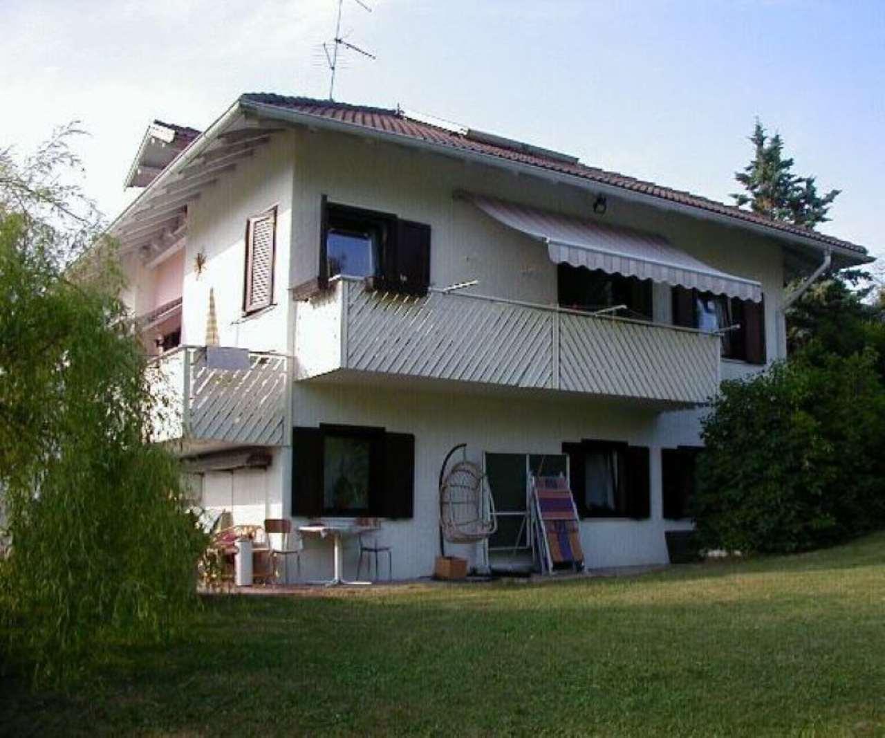 Villa in Vendita a Romeno