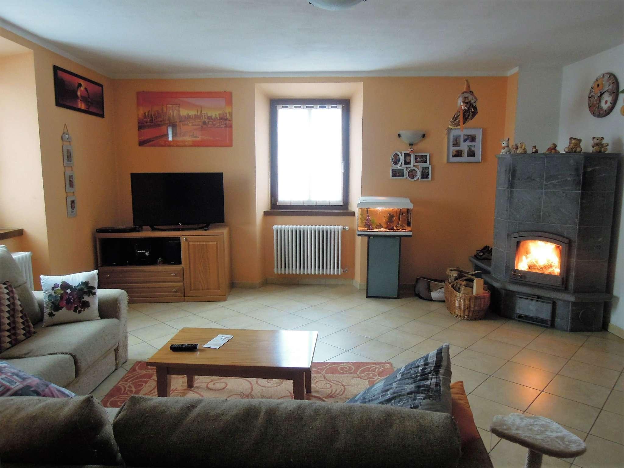Appartamento in Vendita a Romeno