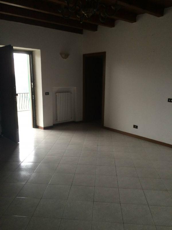Appartamento in vendita a Cortenuova, 9999 locali, prezzo € 110.000 | Cambio Casa.it