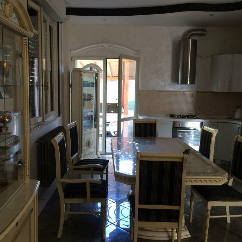 Villa in vendita a Romano di Lombardia, 9999 locali, prezzo € 390.000 | Cambio Casa.it