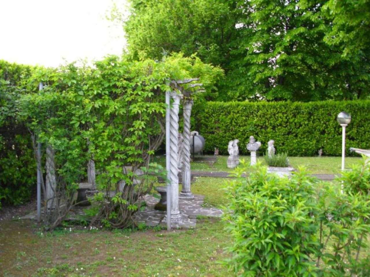 Villa in vendita a Romano di Lombardia, 2 locali, prezzo € 230.000 | Cambio Casa.it
