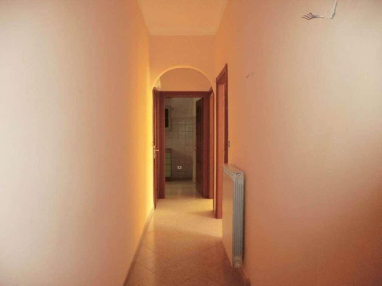 Bilocale Genova Via Ponza 6