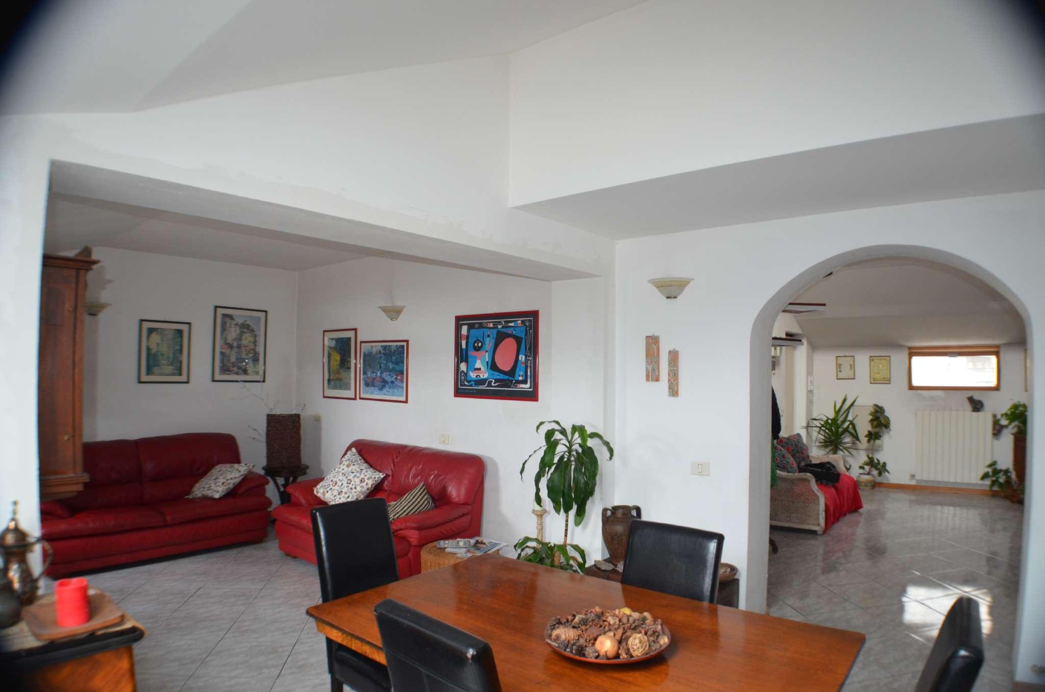 Foto 1 di Appartamento via di Fassolo 5, Genova (zona Principe)