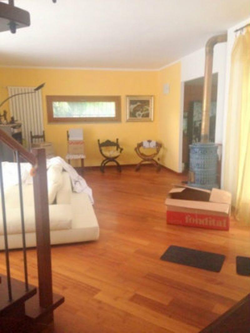 Villa in affitto a Torino, 12 locali, zona Zona: 5 . Collina, Precollina, Crimea, Borgo Po, Granmadre, Madonna del Pilone, prezzo € 2.600 | Cambio Casa.it
