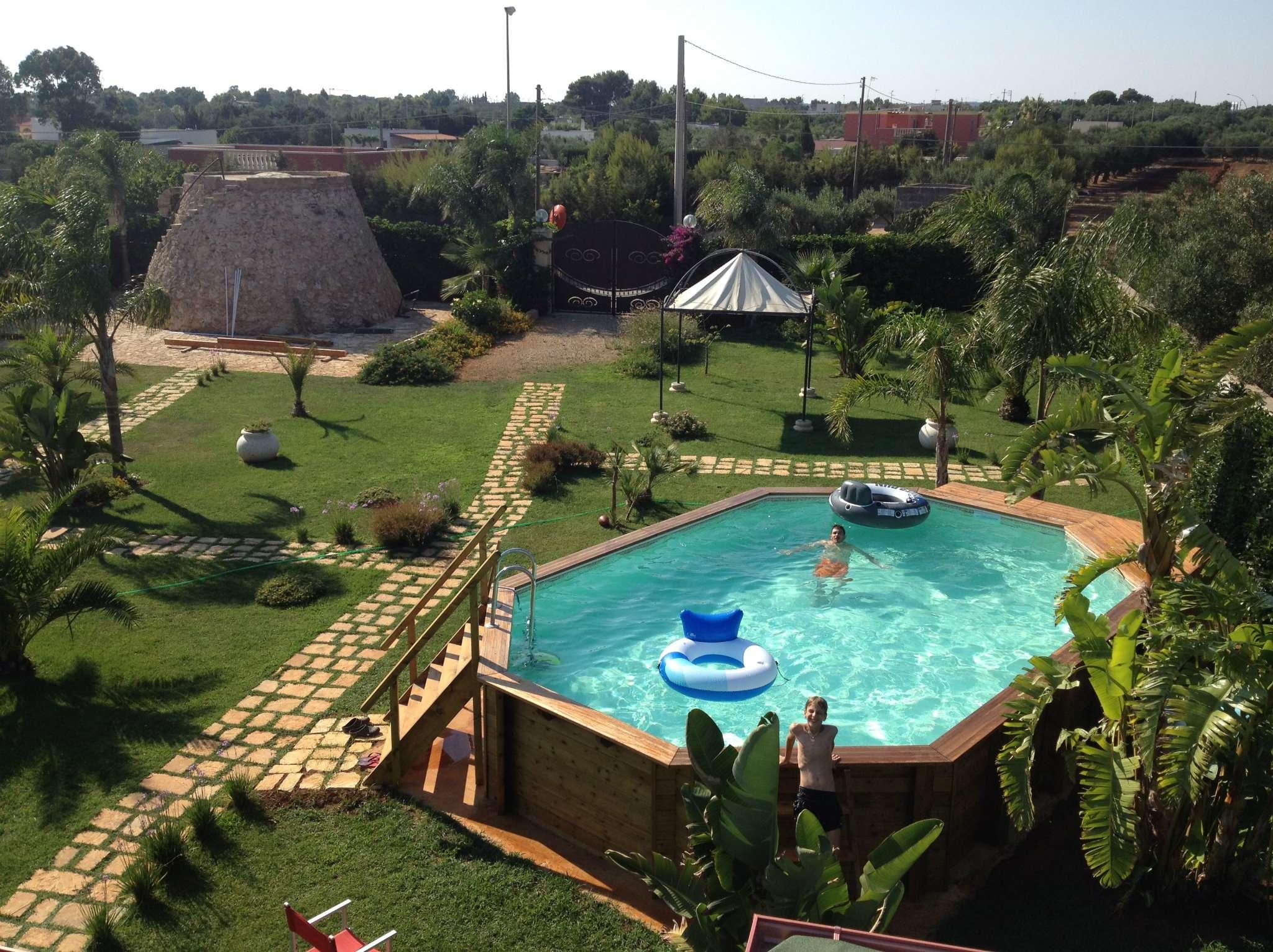 Villa Tri-Quadrifamiliare in affitto a Ugento, 8 locali, prezzo € 750 | Cambio Casa.it