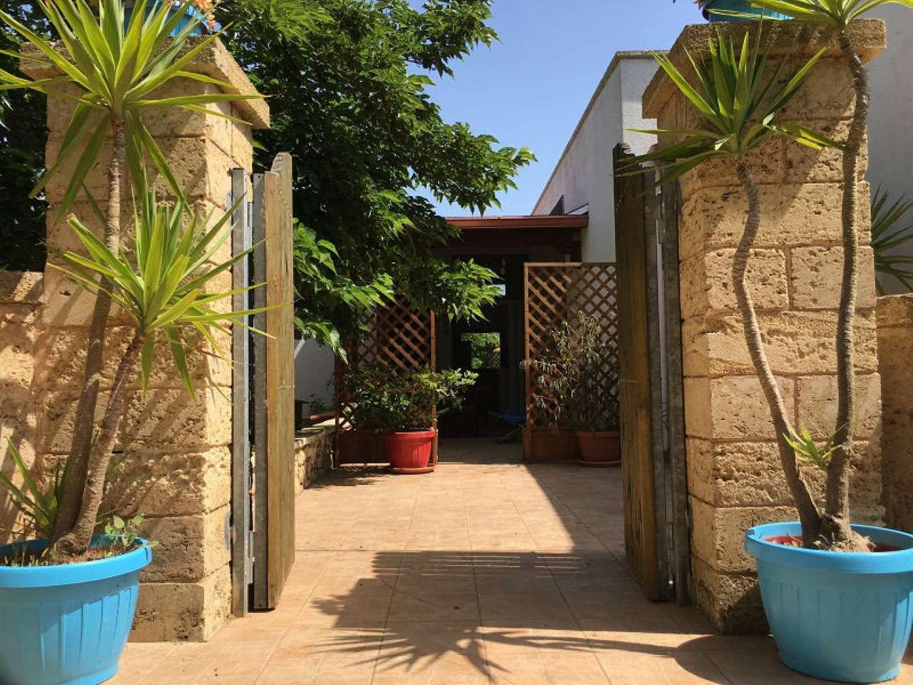 Luminoso bilocale dependance con giardino a pochi minuti dal mare Rif.10106610