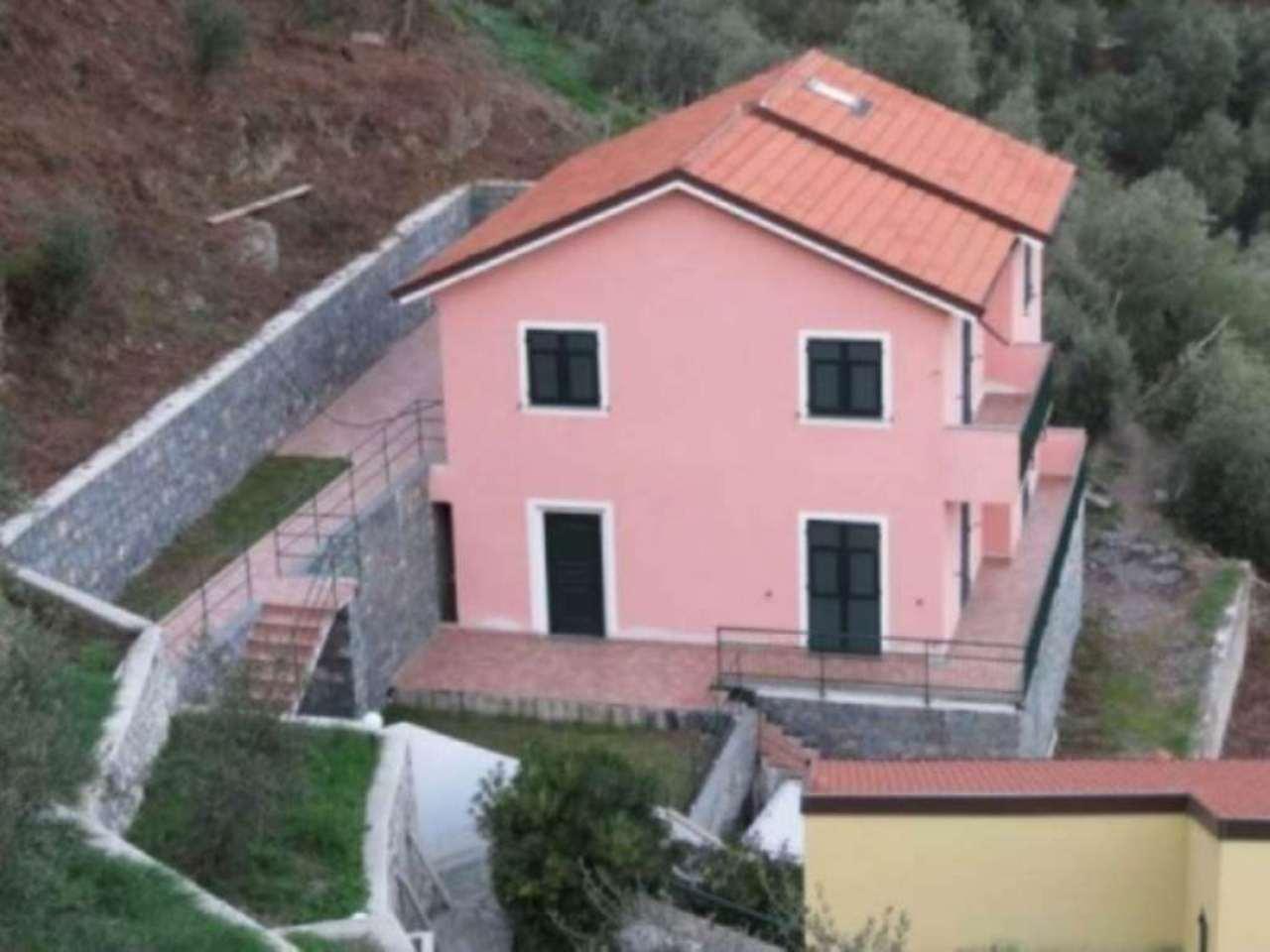 Villa in vendita a Sestri Levante, 12 locali, prezzo € 600.000 | Cambio Casa.it