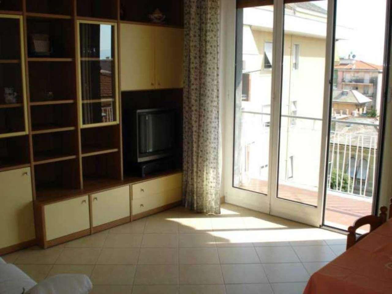 Appartamento in affitto a Lavagna, 5 locali, prezzo € 600 | Cambio Casa.it