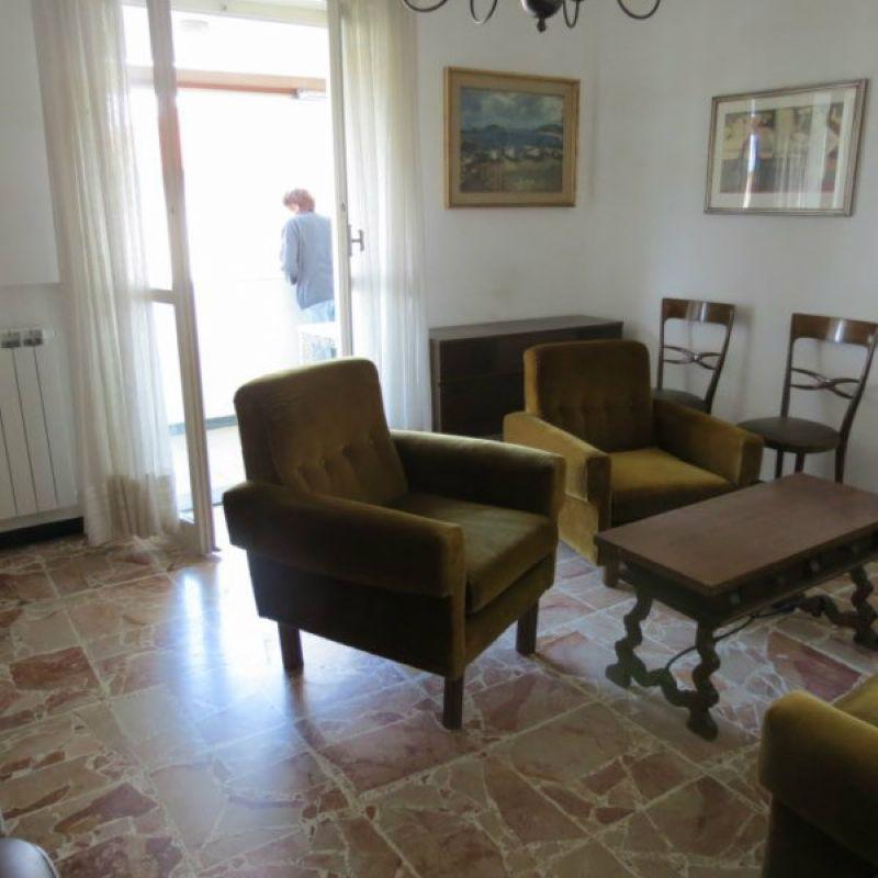 Appartamento in affitto a Sestri Levante, 6 locali, prezzo € 600 | Cambio Casa.it