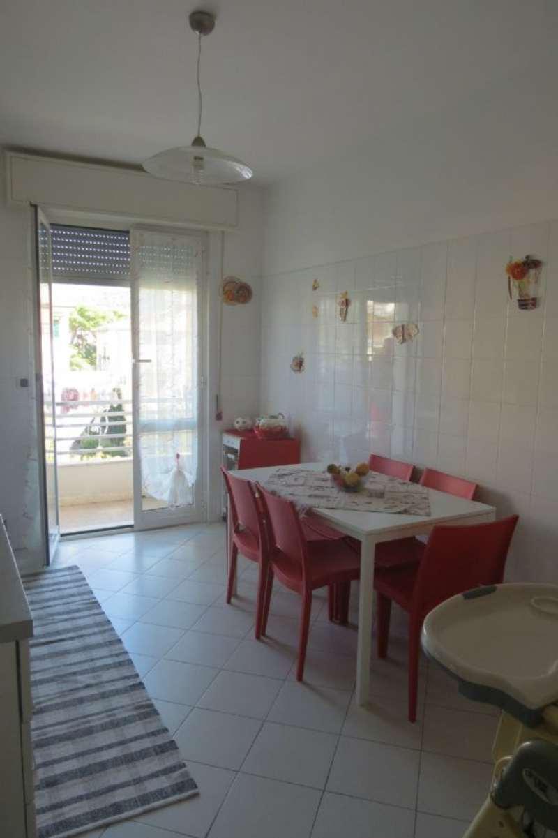 Appartamento in affitto a Lavagna, 7 locali, prezzo € 800 | Cambio Casa.it