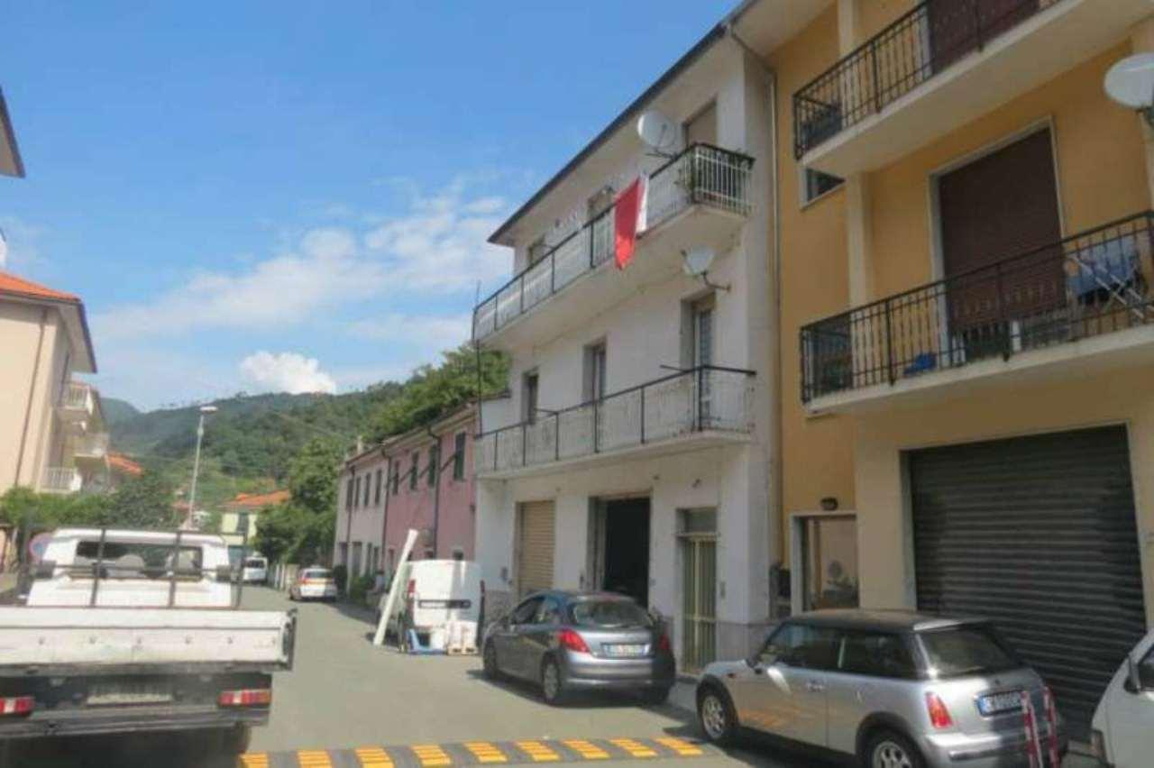 Palazzo / Stabile in vendita a Ne, 10 locali, prezzo € 280.000 | Cambio Casa.it