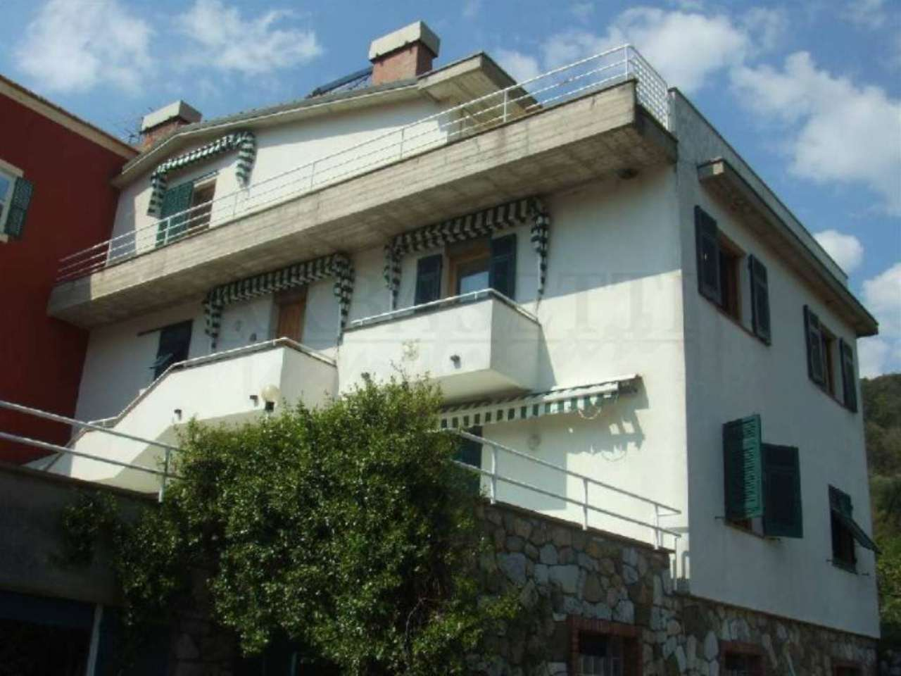 Soluzione Indipendente in vendita a Castiglione Chiavarese, 12 locali, prezzo € 350.000 | Cambio Casa.it