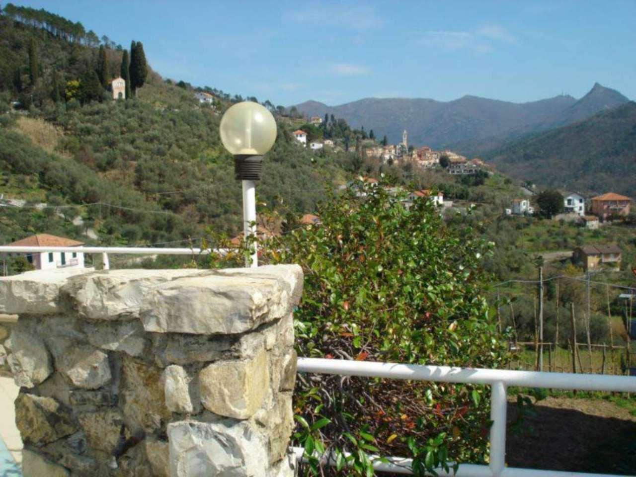 Appartamento in vendita a Castiglione Chiavarese, 5 locali, prezzo € 150.000 | Cambio Casa.it