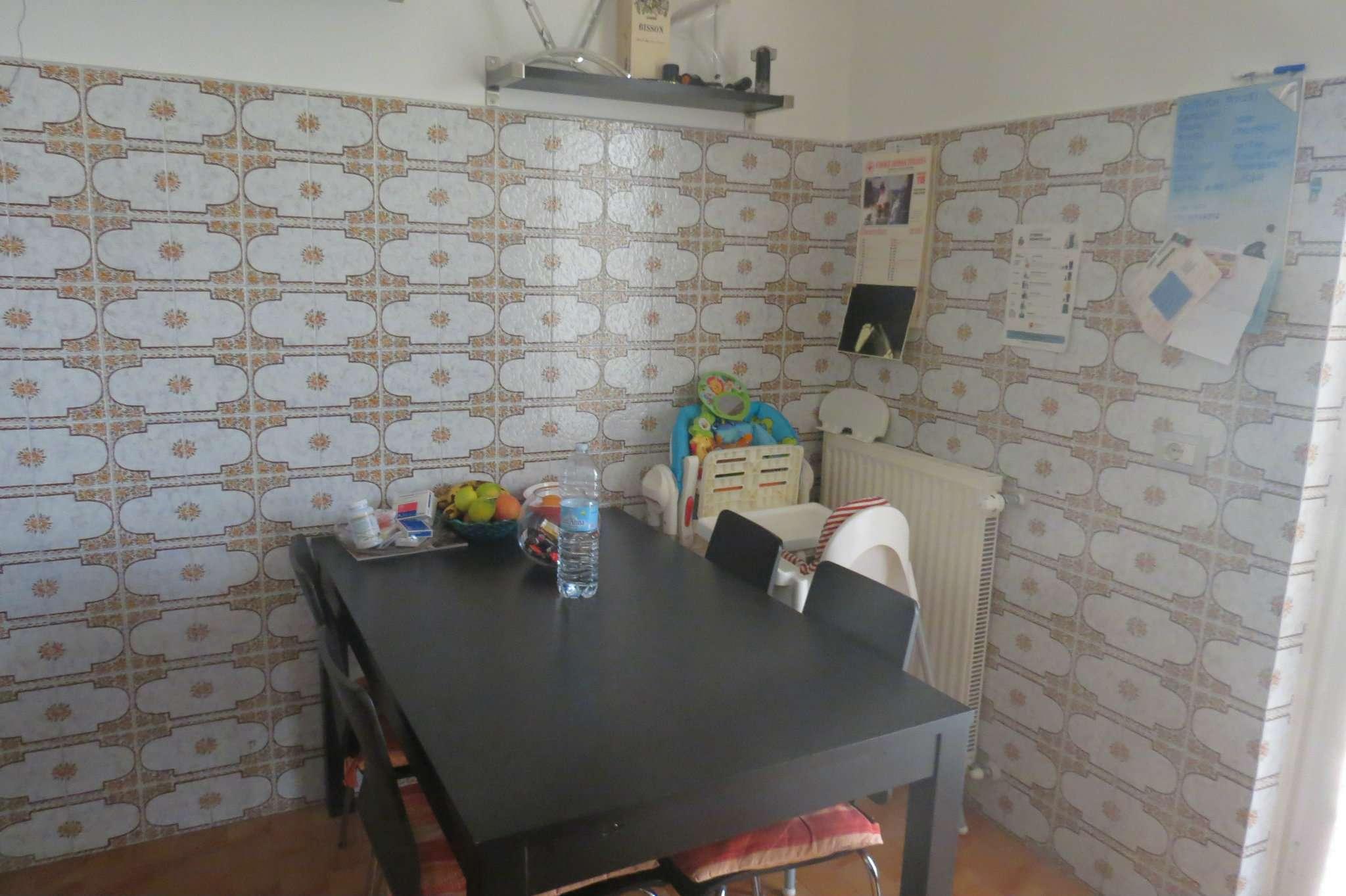 Appartamento in affitto a Cogorno, 4 locali, prezzo € 400 | CambioCasa.it