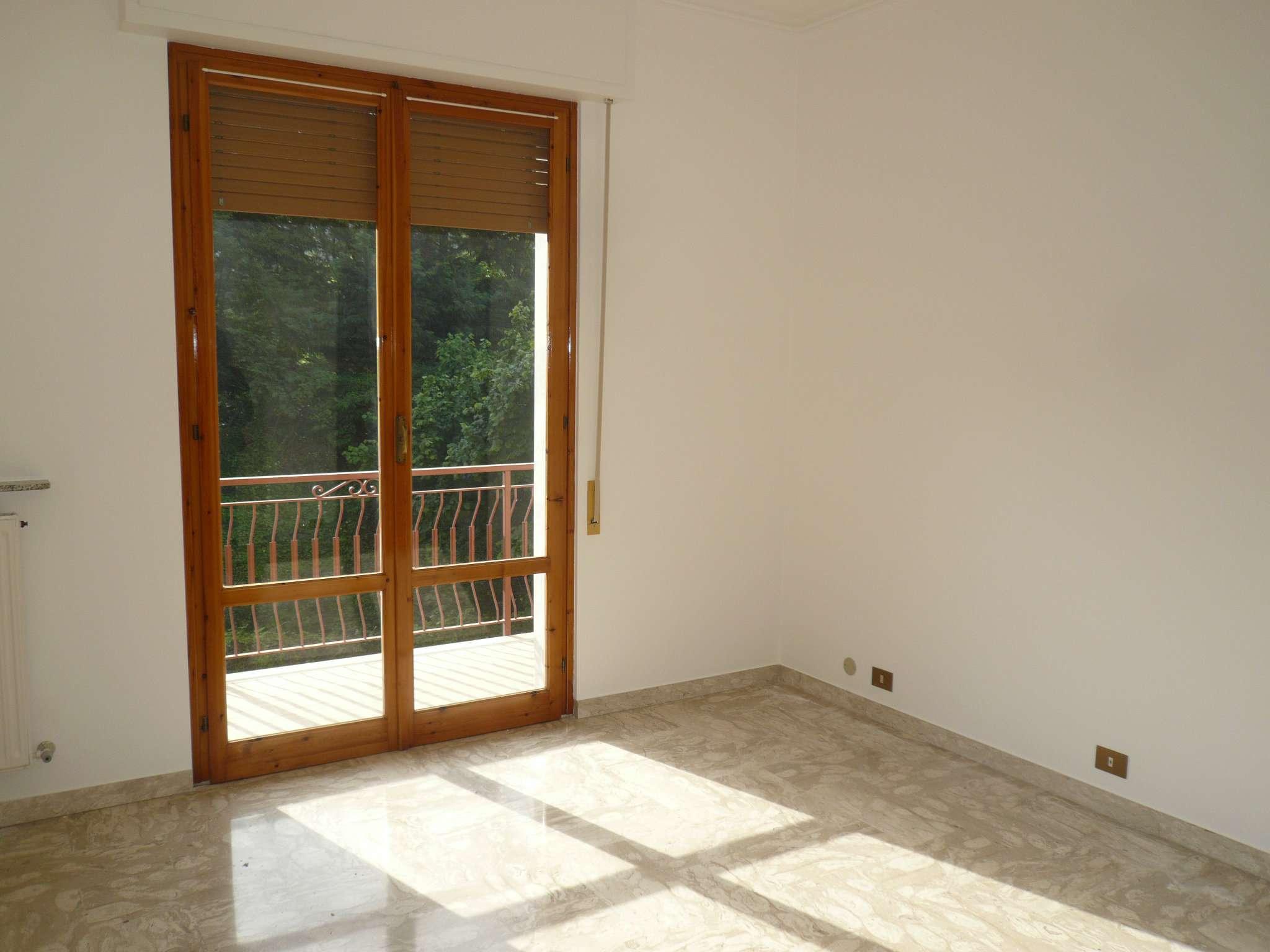 Appartamento in affitto a Carasco, 4 locali, prezzo € 430 | Cambio Casa.it