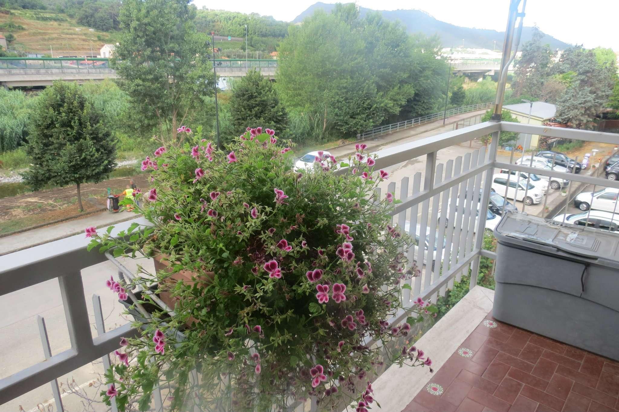 Appartamento in vendita a Casarza Ligure, 6 locali, prezzo € 170.000 | CambioCasa.it