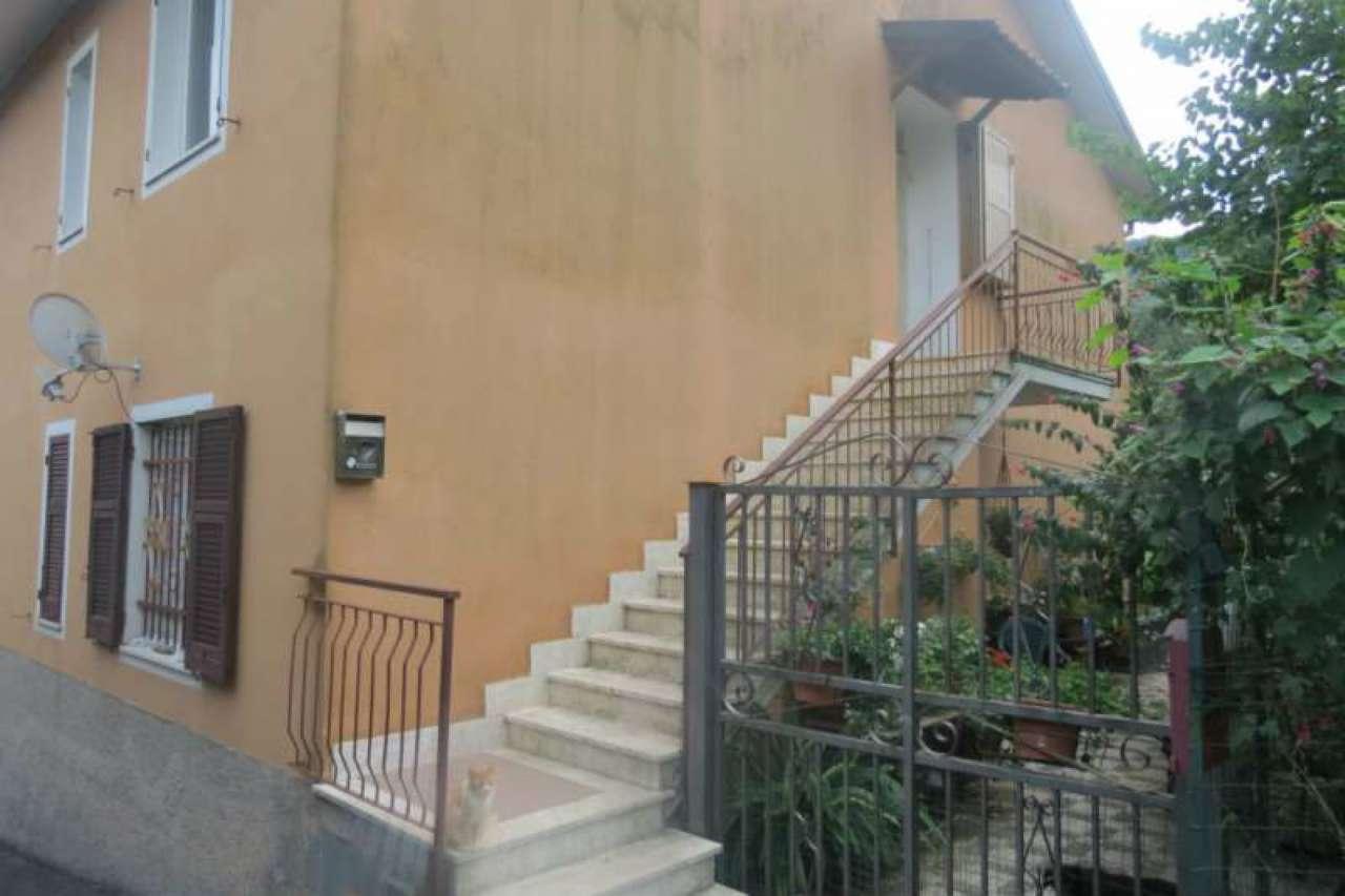 Appartamento in affitto a Leivi, 6 locali, prezzo € 500 | CambioCasa.it