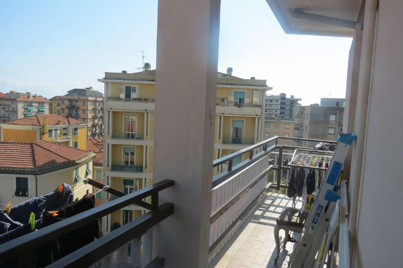 Appartamento in affitto a Lavagna, 4 locali, prezzo € 450 | CambioCasa.it