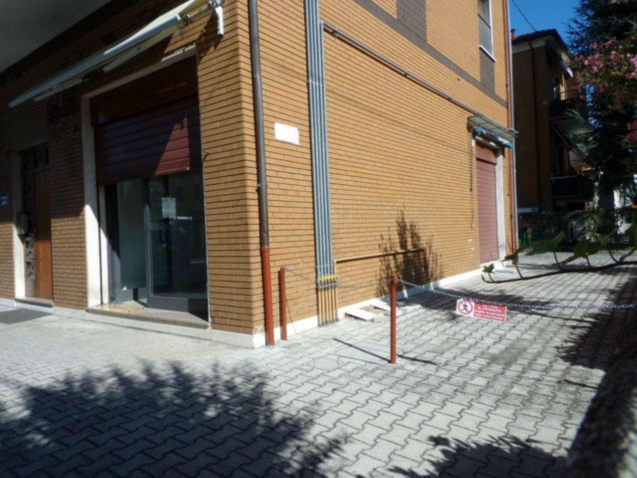 Negozio / Locale in affitto a Forlì, 2 locali, prezzo € 500 | CambioCasa.it
