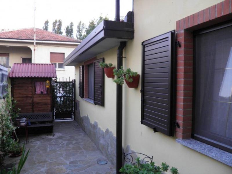 Villa in vendita a Lacchiarella, 3 locali, prezzo € 235.000 | Cambio Casa.it