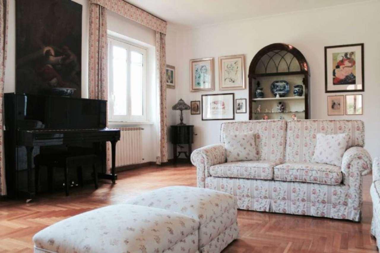 Soluzione Indipendente in affitto a Ciampino, 7 locali, prezzo € 1.500 | CambioCasa.it