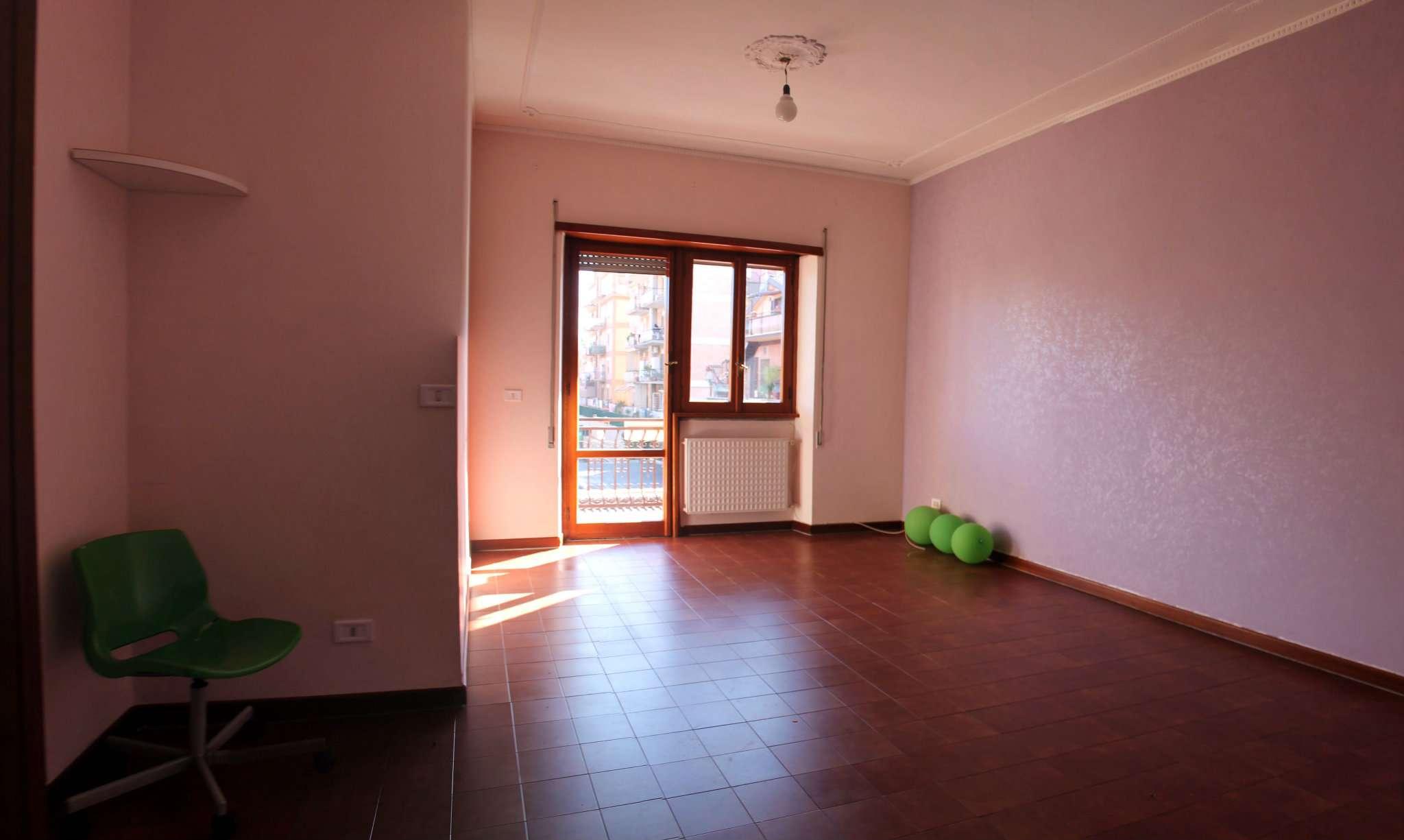 Appartamento in vendita a Ciampino, 3 locali, prezzo € 210.000   CambioCasa.it