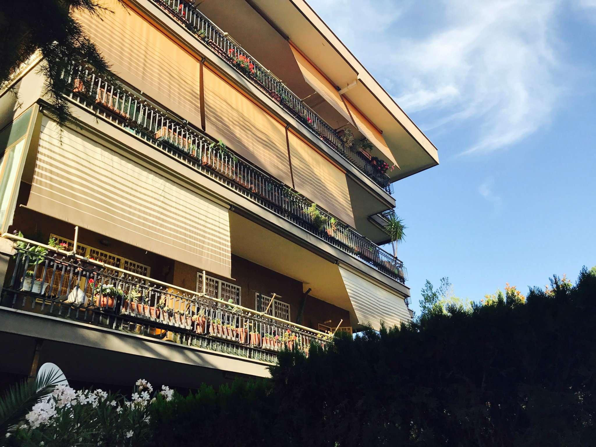 Appartamento in vendita a Ciampino, 4 locali, prezzo € 330.000 | CambioCasa.it